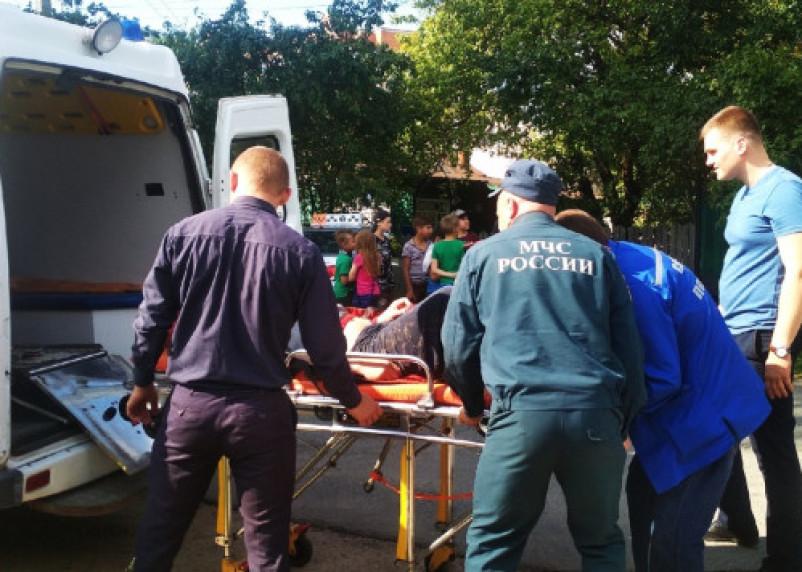 Фотоподробности с крупного пожара с двумя пострадавшими в Смоленске