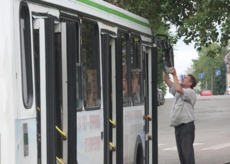 Автобусы в Смоленске переходят на летний график движения
