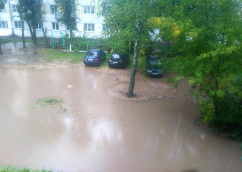 Ливень затопил улицы смоленских городов
