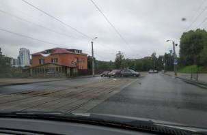 На Дзержинского схлестнулись два авто