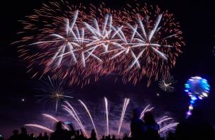 В Смоленске прошел фестиваль фейерверков «Звездопад». Как это было, смотрите в нашем фоторепортаже