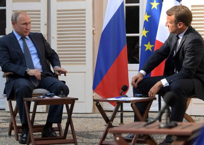 Путин и Макрон могут поговорить о Смоленске