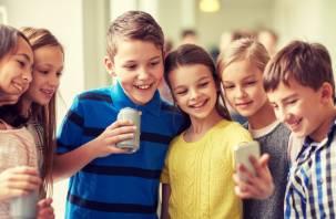 Смартфон, планшет, смарт-часы: что выбрать для школьника в новом учебном году?