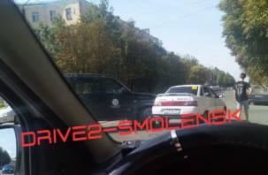 В Смоленске на Николаева ДТП собирает пробку