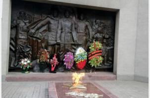 В Реадовском парке вновь загорелся Вечный огонь