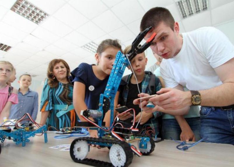 Робот-муравей и 3D-Эйнштейн. В СмолГУ открылся центр «Модуль»