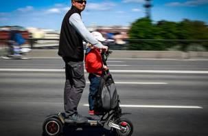 Владельцев электросамокатов, гироскутеров и моноколёс могут приравнять к автомобилистам
