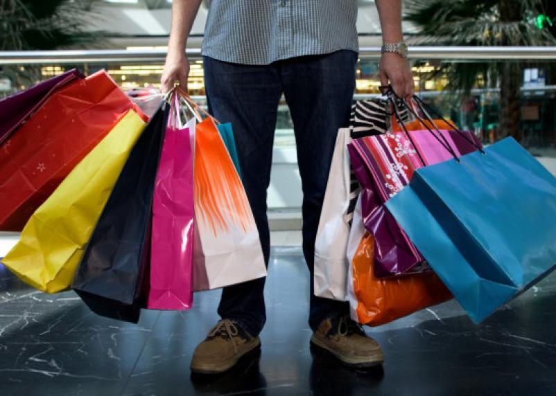Житель Угры обворовал соседа и устроил себе шопинг в Вязьме