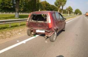 В Смоленском районе Форд протаранил Мицубиши, который снёс ещё и двух пешеходов