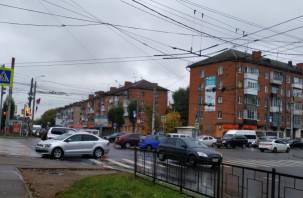 В Смоленске ДТП на «трёх дорогах» спровоцировало масштабную пробку