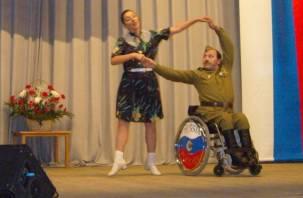 В Смоленске открылся фестиваль творчества инвалидов «Память сердца»