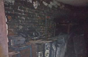 У газового баллона сорвало вентиль. Ночью в Рославле тушили пожар около телевышки