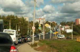Проезд серьезно затруднен. На проспекте Гагарина в Смоленске произошло два ДТП