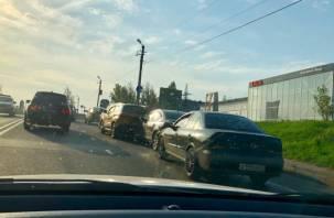 Ищите пути объезда. Массовое ДТП на улице Верхний Волок собирает пробку