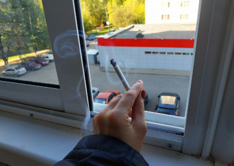 Роспотребнадзор рассказал о тяжелой форме коронавируса у курильщиков