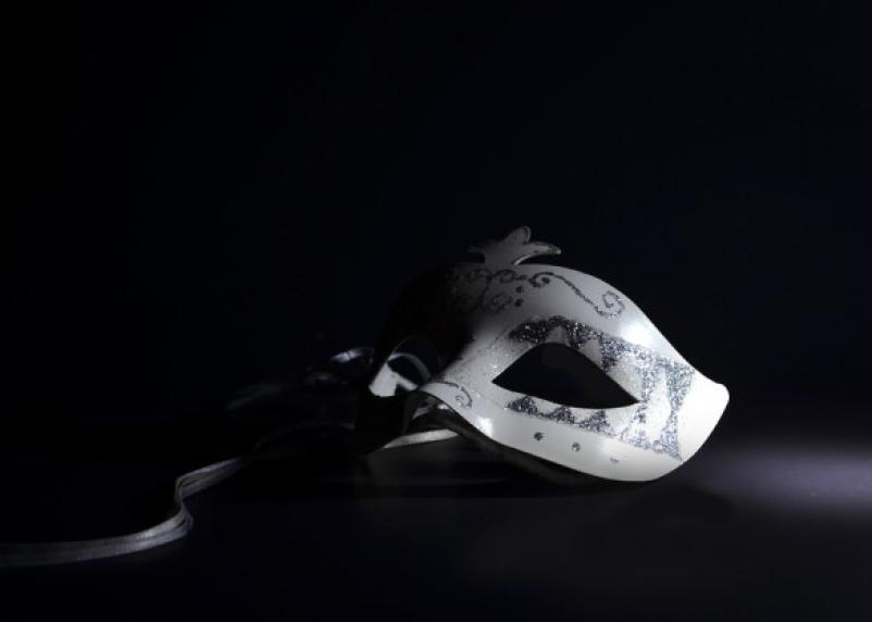 Меняют маски. Названы самые лицемерные знаки зодиака