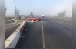 Бетонный блок и невнимательность водителя на дороге «отправили» 84-летнюю смолянку в больницу