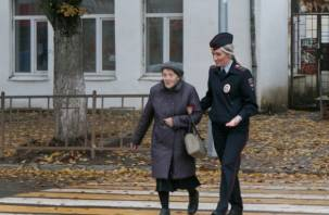 В Смоленской области сотрудники ГИБДД провели мероприятия «С заботой о старости»