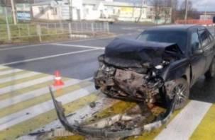 В Ярцевском районе Дэу протаранила Тойоту. Водитель оказался в больнице