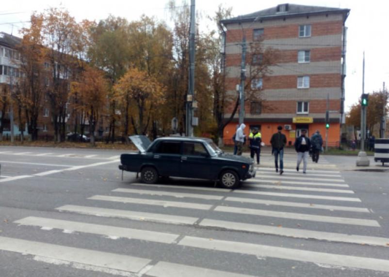 «Смело шёл на красный». В Смоленске на Кирова сбили пешехода