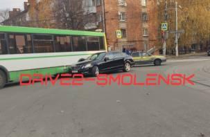ДТП с участием общественного транспорта затрудняет движение в Смоленске