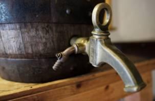 Смолянин украл из торгового павильона 30-литровую бочку с пивом