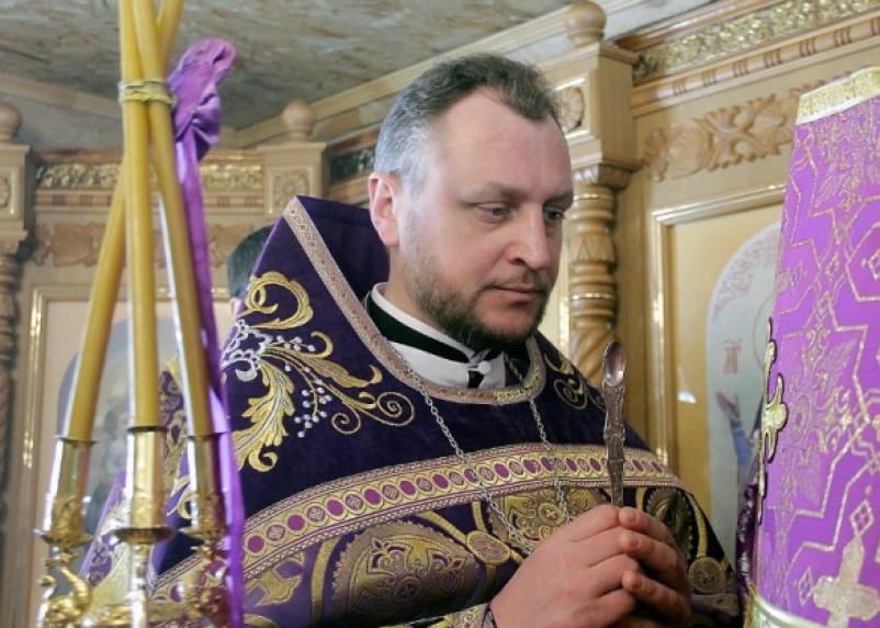 Десногорского священника поймали пьяным за рулем