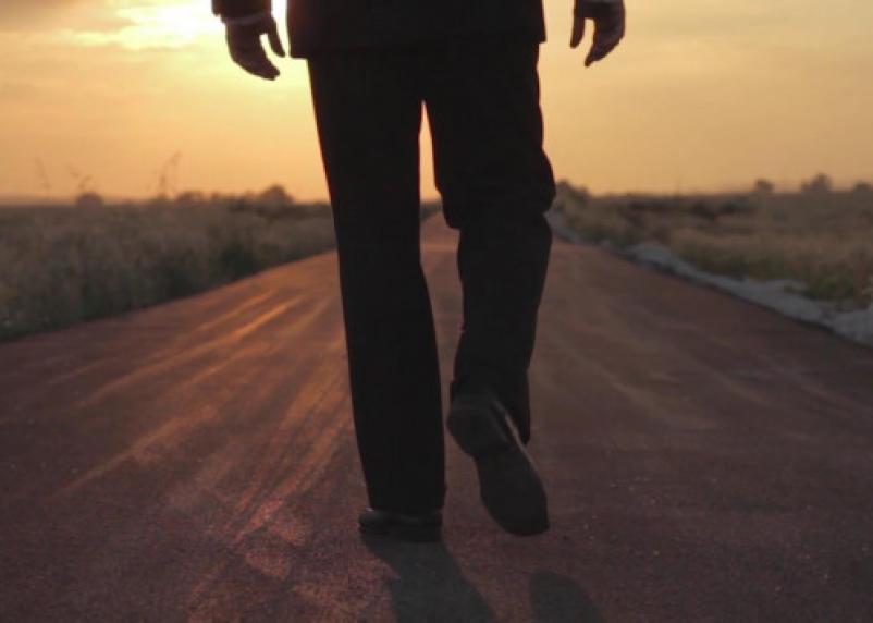 Импотенция видна по походке мужчины