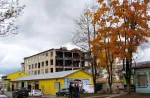 Снесли половину: в Смоленске меняется облик территории, прилегающей к фабрике «Шарм»