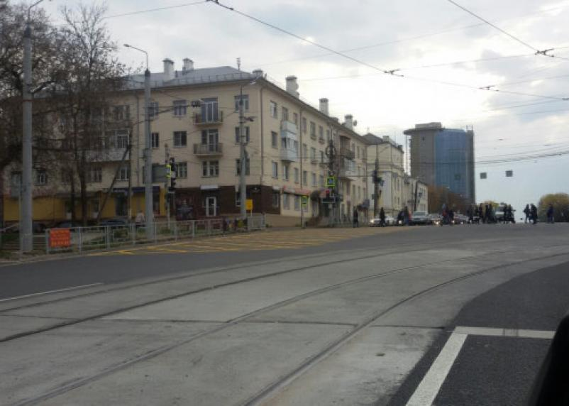 В Смоленске на еще одном перекрестке появилась «вафельная» разметка