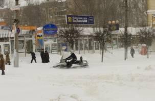 Смоленск во власти снега и пешеходов: в Сети вспомнили о том, как было 15 лет назад