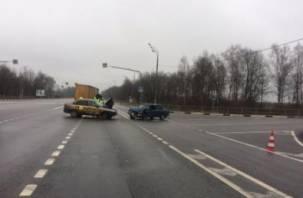В Сафоновском районе в ДТП с Вазом и Грантой пострадали два человека
