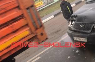 Авария с КАМАЗом на Тихвинке создала заторовую ситуацию