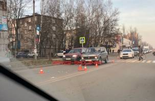 В Смоленске легковушка на пешеходном переходе сбила двух пенсионерок