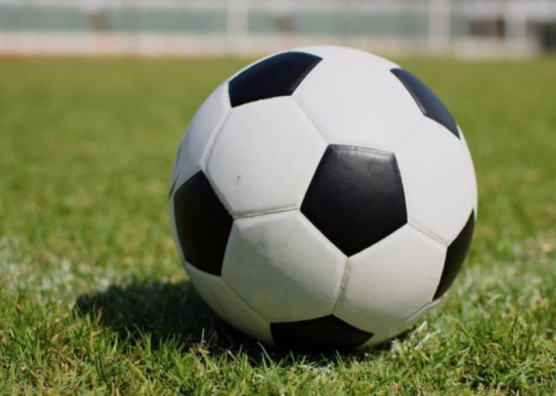 Футбольный матч между смолянами и калининградцами закончился ничьей