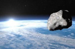 К Земле опять летит астероид