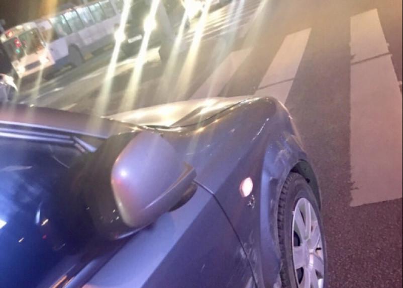 В Смоленске Москвич подбил авто и уехал с места ДТП