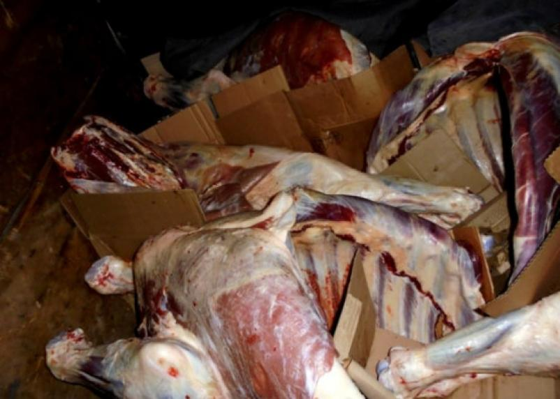 На Смоленщину пытались ввести нелегальное мясо. Уничтожили