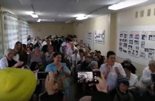 Главврача дорогобужской больницы увольняют после репрессий медперсонала