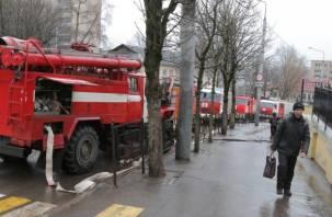 В смоленской школе №7 пожарные тушили возгорание