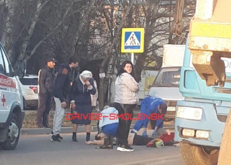 Женщину доставили в больницу. На проспекте Строителей сбили пешеходов