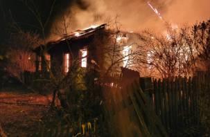 В Холм-Жирковском сгорел жилой дом