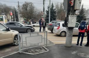 Бабушка переходила дорогу на красный. На площади Победы произошло ДТП