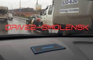 ДТП на въезде на мост собирает пробку в Смоленске