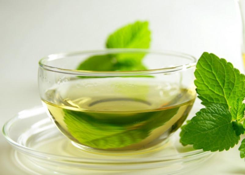 Успокаивает и снимает боль. Названы 5 полезных свойств мятного чая