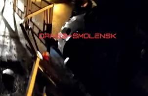 В Смоленске иномарка протаранила забор