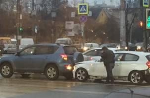 В Смоленске из-за ДТП пробка на Гагарина
