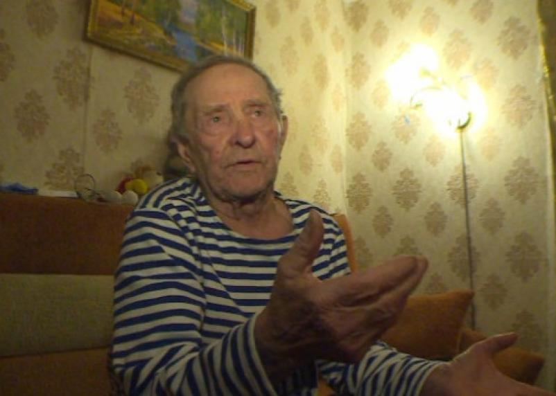 81-летнего рославльчанина избили палками и ограбили дом