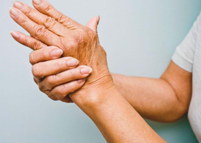 4 симптома говорят о начале болезни Паркинсона