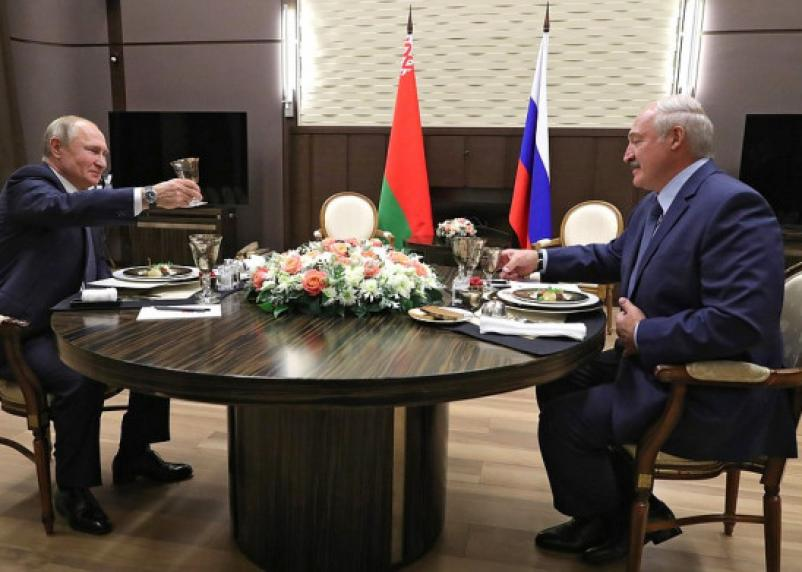 Путин не захотел приравнять Беларусь к Смоленской области